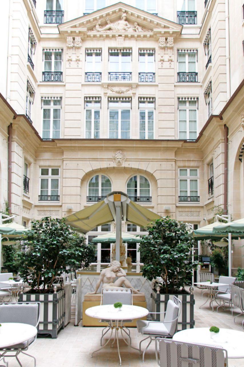 パリを代表するパラスホテル「オテル ドゥ クリヨン」