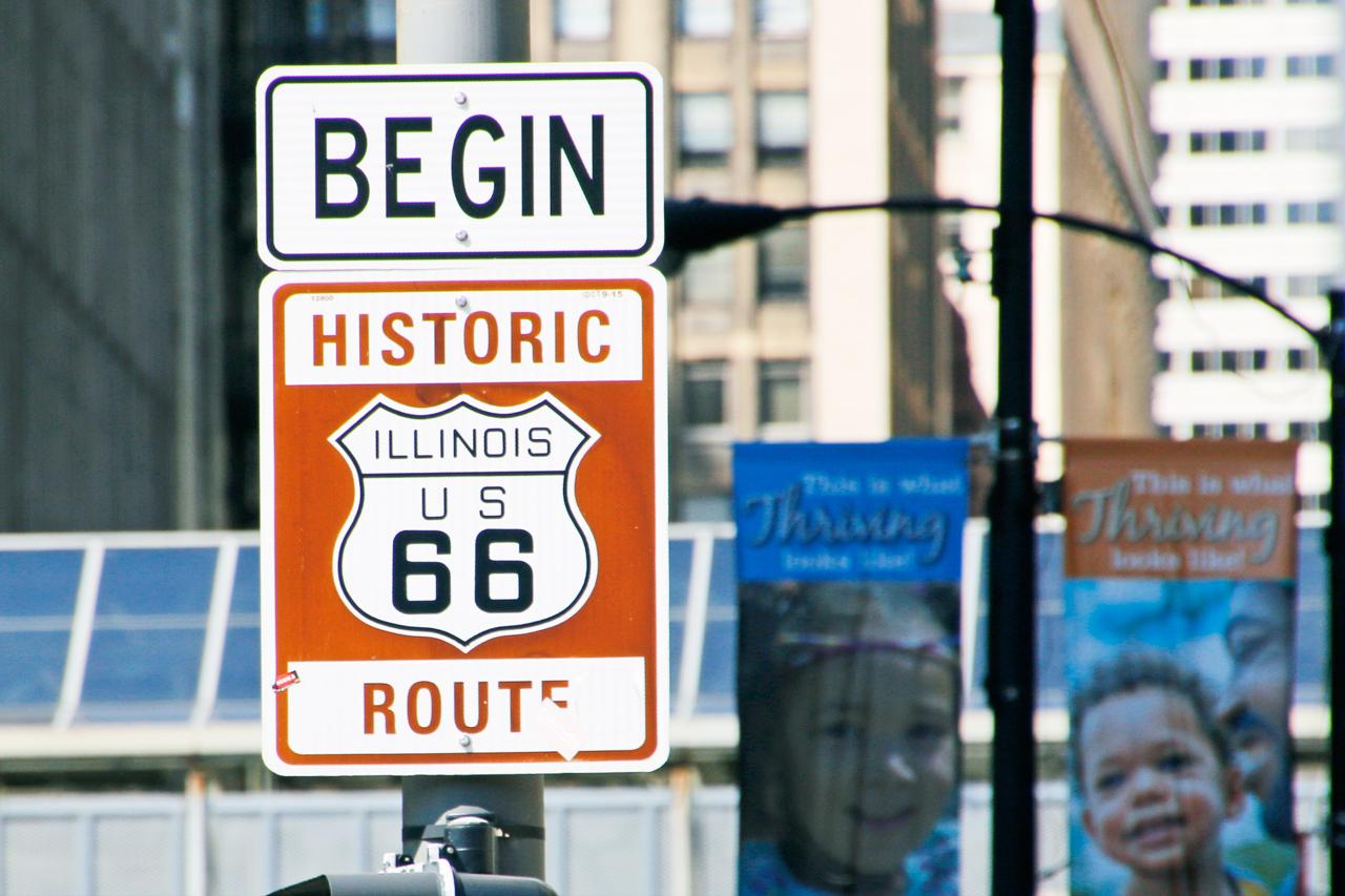 ルート66横断はここから。シカゴ「ルー ミッチェルズ」