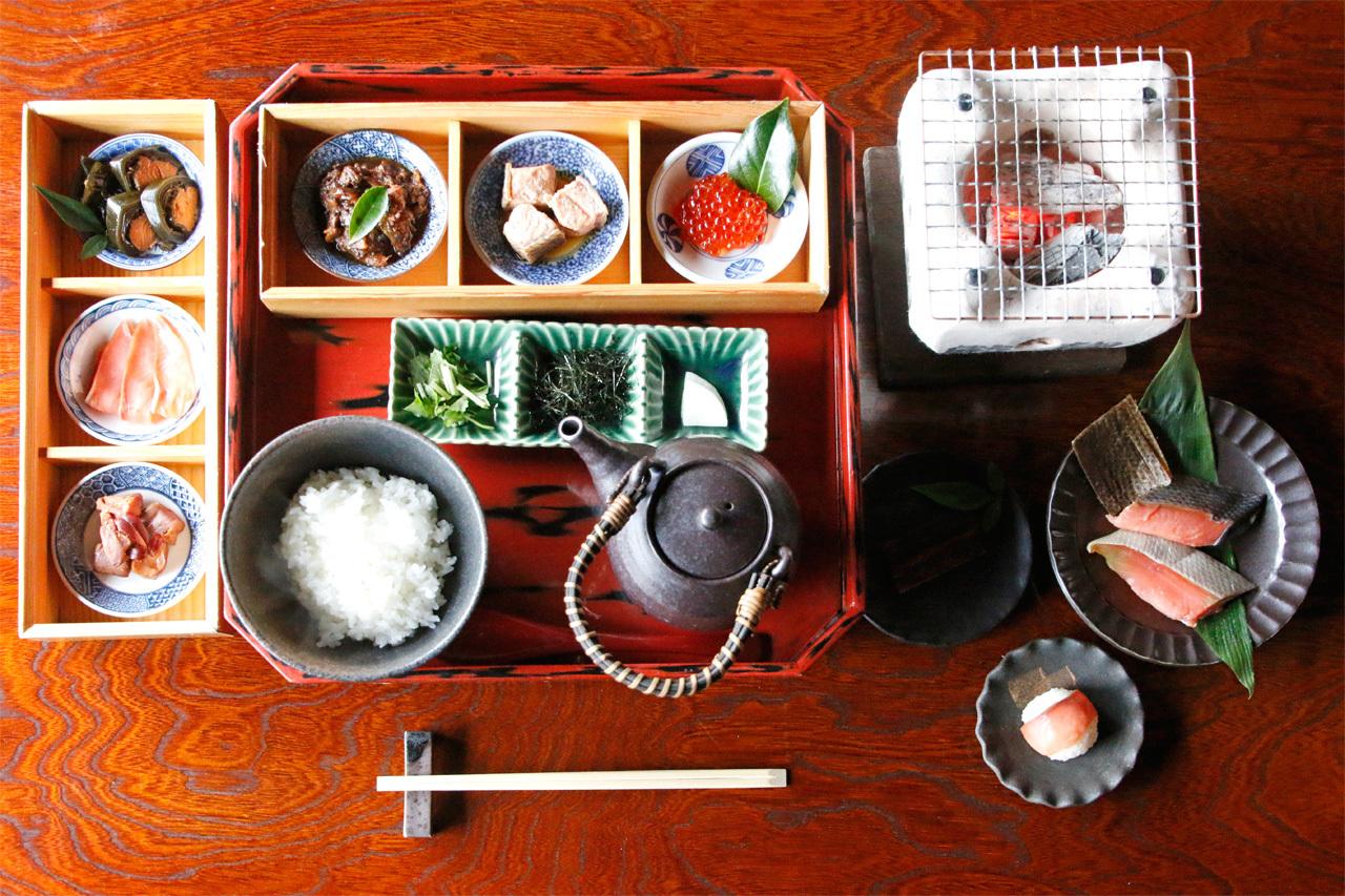 鮭料理を、鮭のまちで。「千年鮭きっかわ 井筒屋」