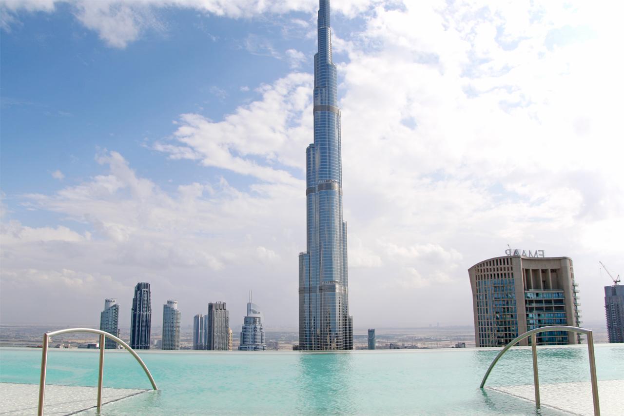 ドバイ「アドレス スカイ ビュー」54階インフィニティプールがすごい!