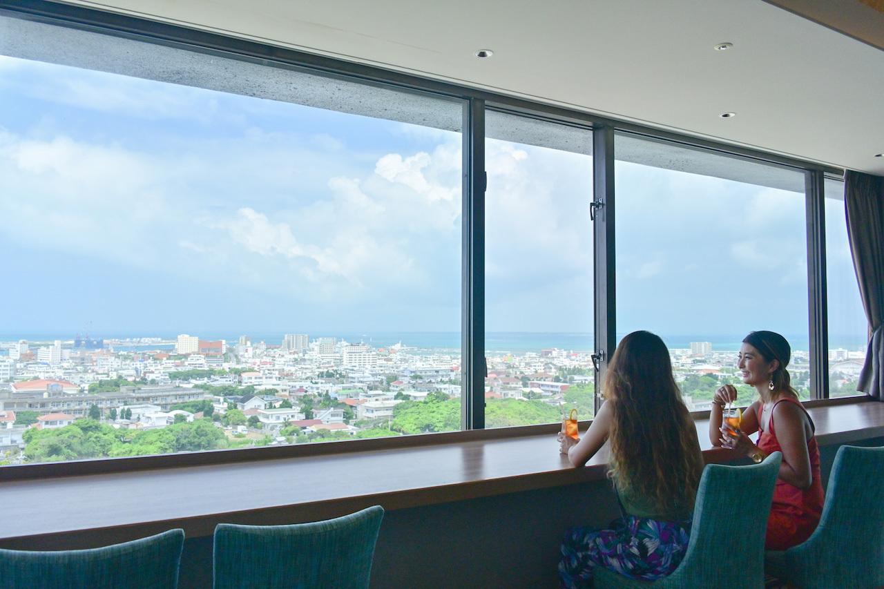 沖縄料理が食べられる大満足の朝食ブッフェ&絶景カフェ