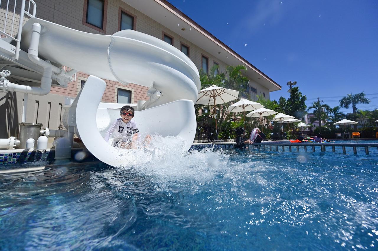 ホテル滞在が楽しい!プール・大浴場・スパ