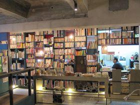 鹿児島のツウな穴場。不思議な回廊の古書店「古書リゼット」
