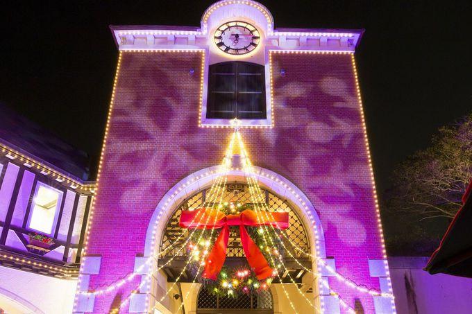 ロマンチックな古城のクリスマスイルミネーション