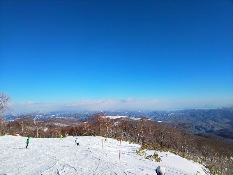 岐阜「めいほうスキー場」初心者でも楽しい!絶景ロングラン