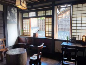 京都「河井寛次郎記念館」説明のない美術館で美を探す