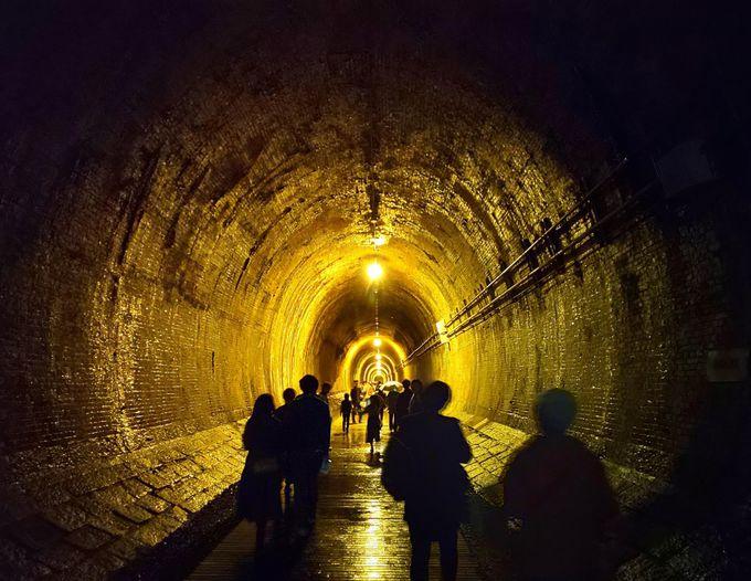 トンネル内で幻想的な写真を撮る