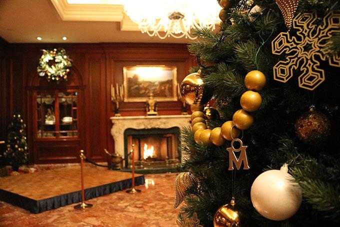 大阪・梅田「ザ・リッツカールトン大阪」でイギリス貴族のクリスマスを