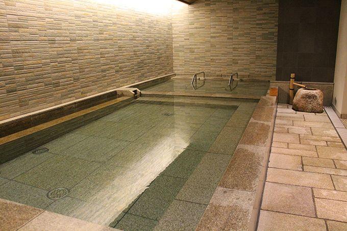 高級旅館のような日本式浴場