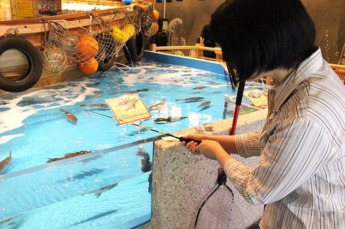 大阪の街中で釣って食べる!難波「ジャンボ釣船 つり吉」