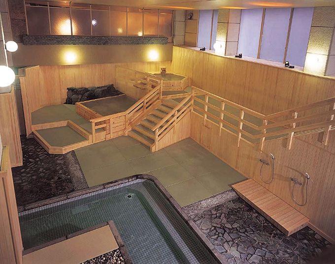 畳敷きの大浴場「夕月」と「宵街」
