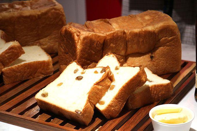 高級食パン「明日が楽しみすぎて」