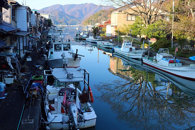 鏡のような海が美しい「吉原入江」