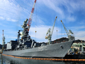 護衛艦も見える!迫力クルーズと港町グルメの舞鶴観光へ