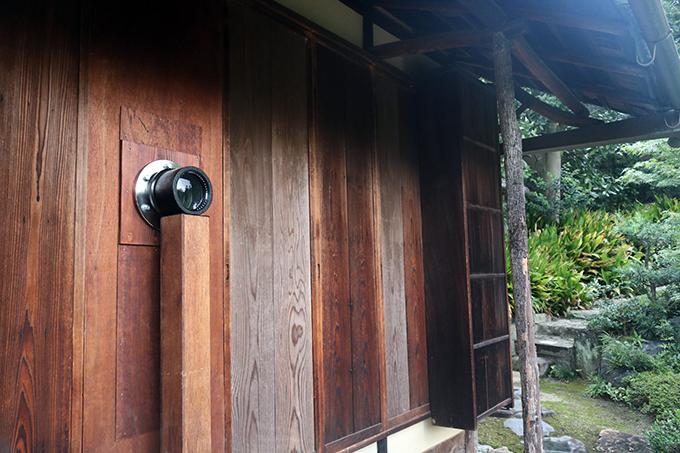 祇園の禅寺で作品と庭園の競演