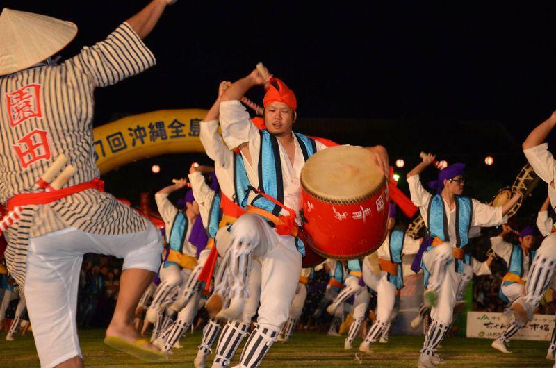 沖縄の夏の風物詩「沖縄全島エイサーまつり」とエイサーナイトを楽しもう
