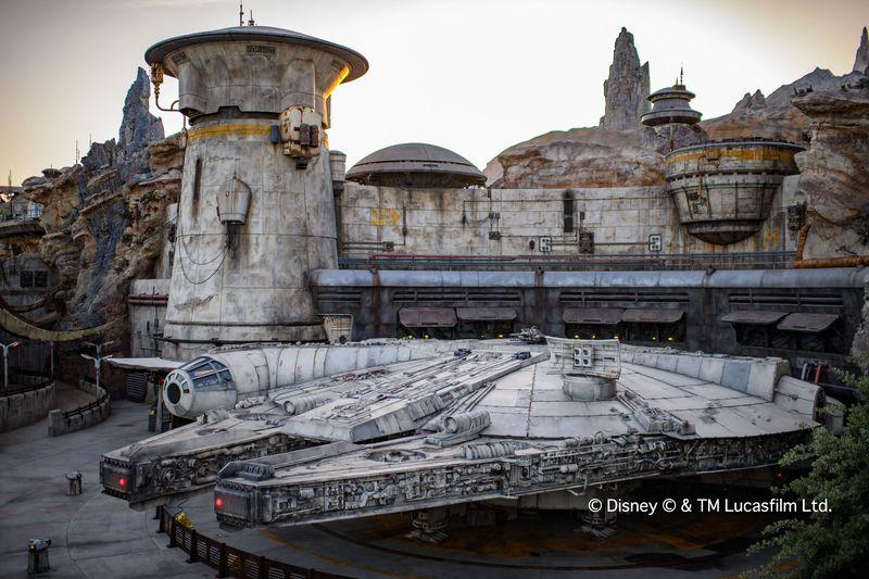 世界観を完全再現「スター・ウォーズ:ギャラクシーズ・エッジ」ディズニー史上最大テーマランドがオープン