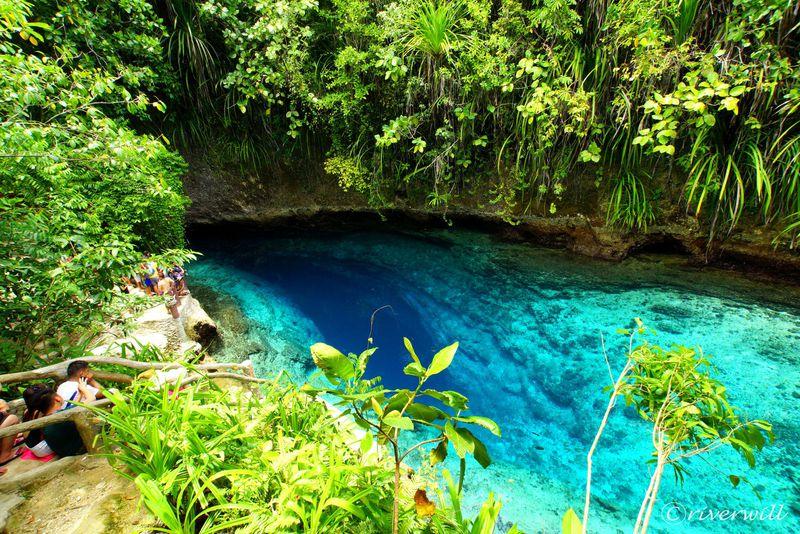 フィリピンの秘境!奇跡のような魔法の川「エンチャンテッド・リバー」