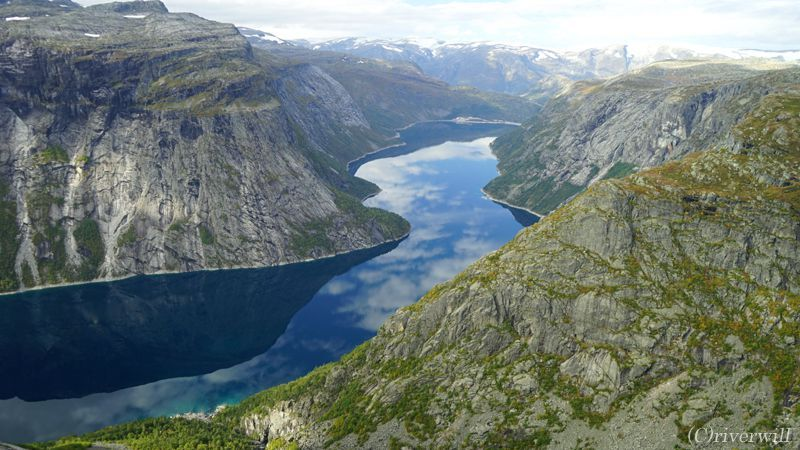 北欧ノルウェーが誇る美しきフィヨルドとは