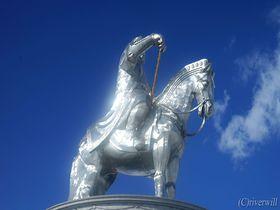 悠久のモンゴル高原に巨像立つ!チンギス・ハーン騎馬像テーマパーク