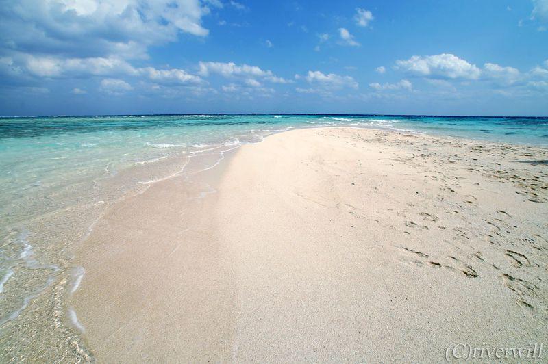 幻のホワイトサンドバー「百合ヶ浜」健在!冬こそ穴場の与論島へ