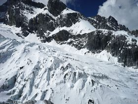 中国国家5A級の玉龍雪山!ロープウェーで行く富士山越えの氷河展望台