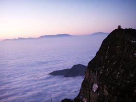 気分は天上人!中国世界遺産「峨眉山」で味わう極上の雲海テラス