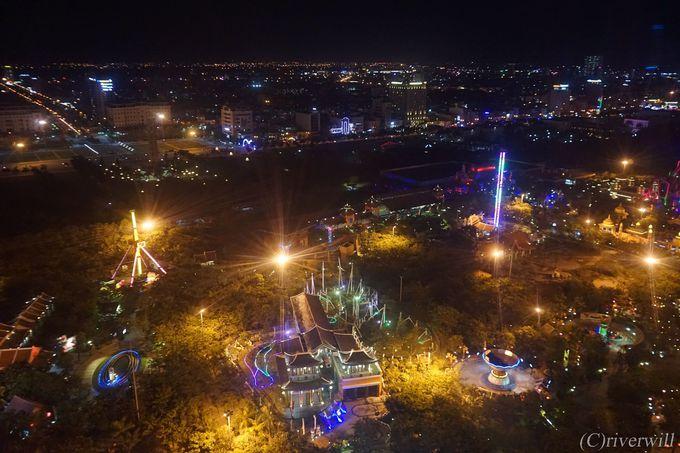 日本生まれの観覧車から眺める100万ドンのダナンの夜景