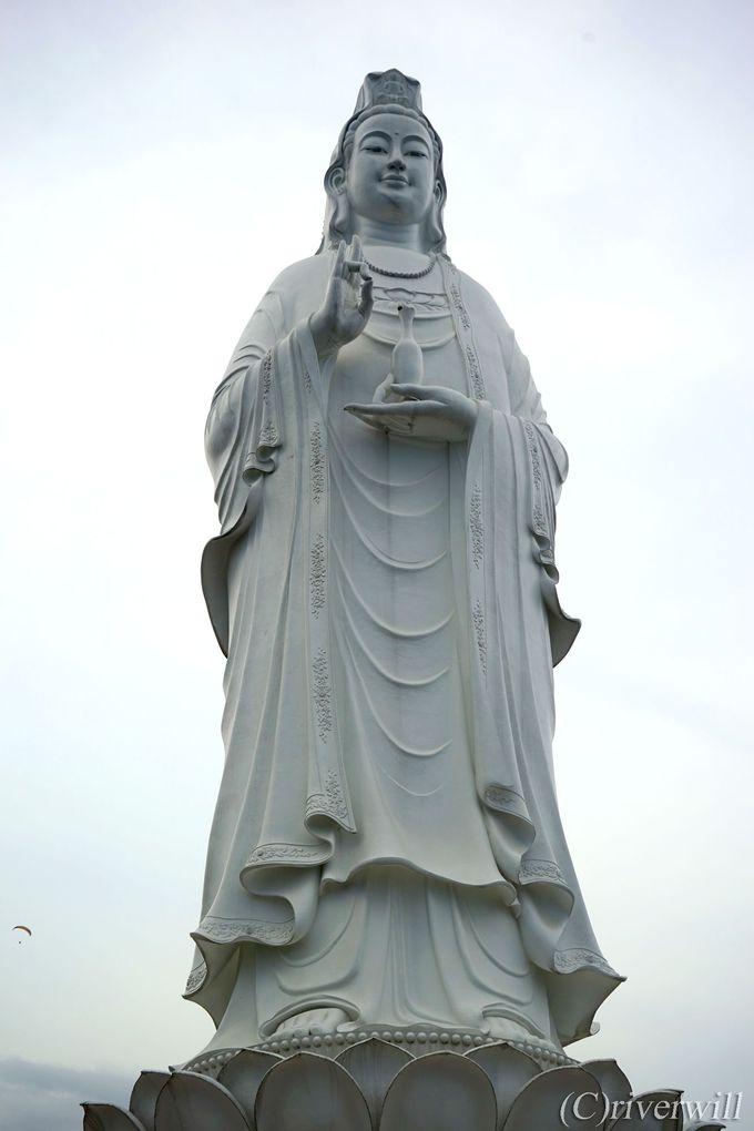 北の守護神・ソンチャ半島のレディブッダ