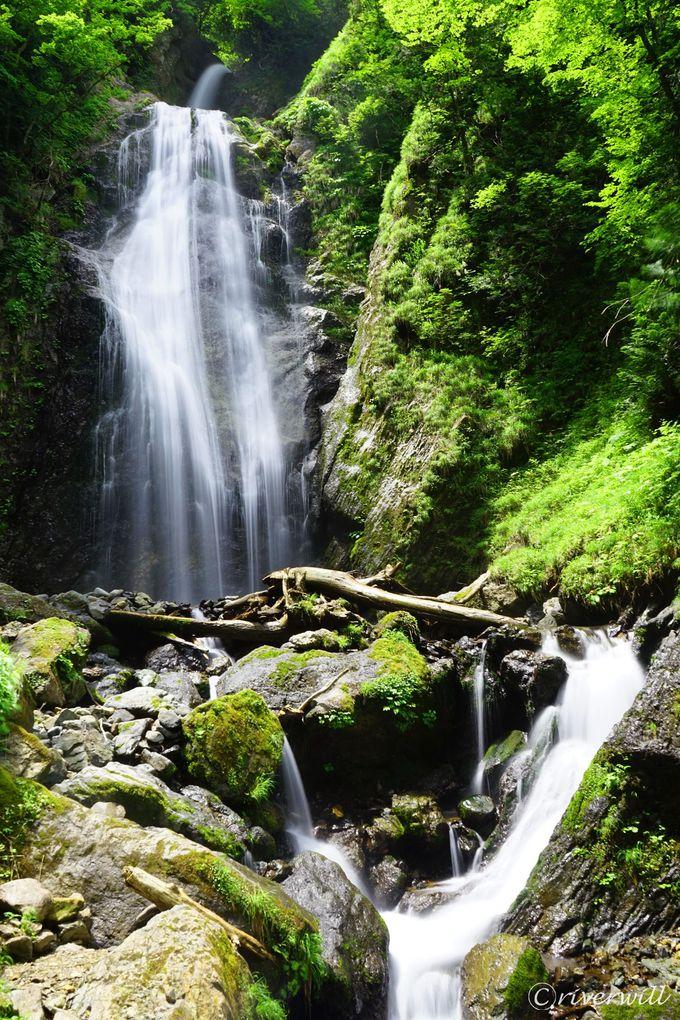 クライマックスの「回顧の滝」で最高の天然クーラーを