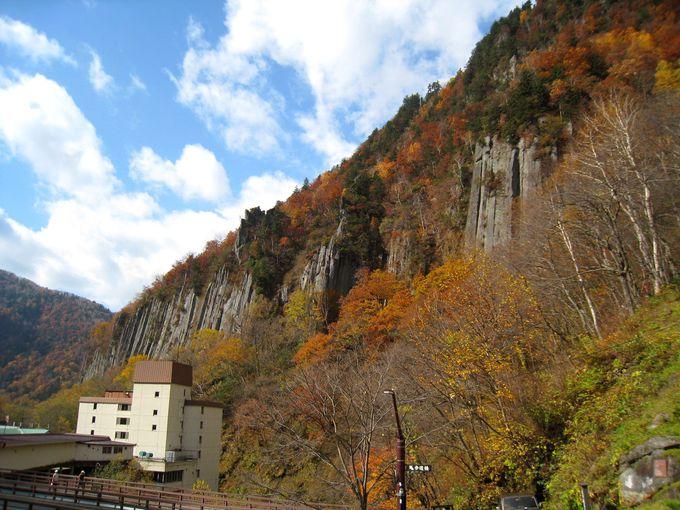 名瀑「羽衣の滝」が息づく天人峡