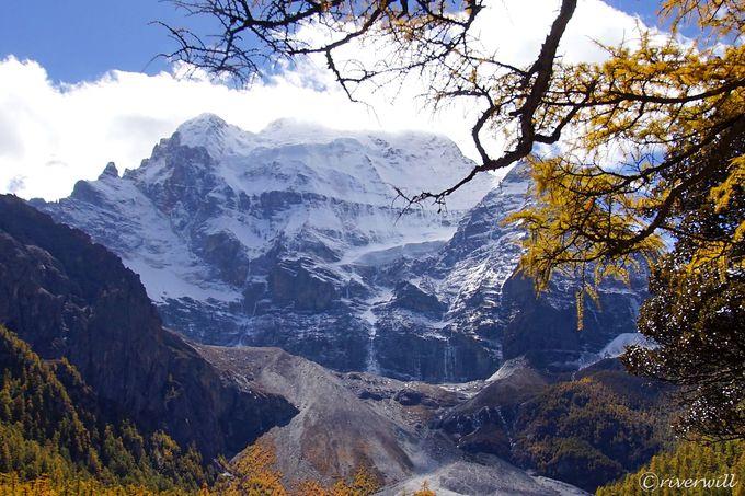観光1日目:最高峰・仙乃日峰を眺めながら珍珠海へハイキング