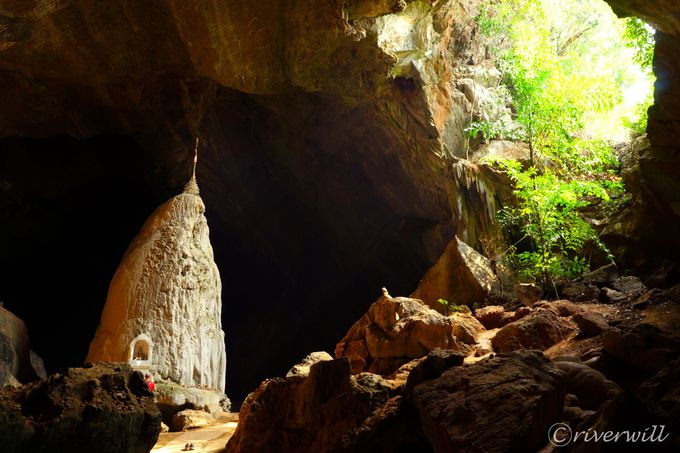 パアンといえば洞窟寺院!自然と一体化した仏像・パゴダは必見