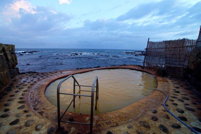 2日目午後:神秘の青池から縁結びモヤイ像、海岸露天風呂まで