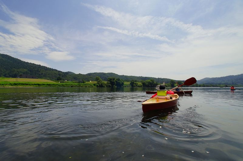 1日目:秋田犬とふれあい、米代川でカヌー遊び、そしてビーチへ