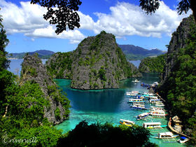 神々の楽園!フィリピンの秘境コロン島でアイランドホッピング
