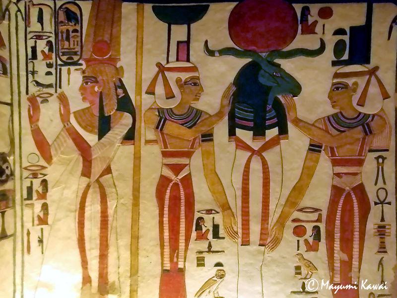 三千年の時を超えた色彩!古代エジプト最高峰・ネフェルタリの墓