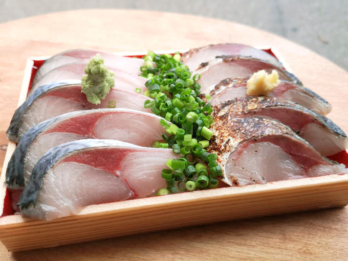 見てこのビジュアル!魚介てんこ盛りの海鮮丼続々登場