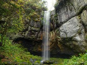 涼感ミストシャワー!北海道オホーツクの森の「山彦の滝」