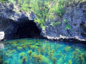 これが佐渡版・青の洞窟!まるで海外みたいな絶景「琴浦洞窟」