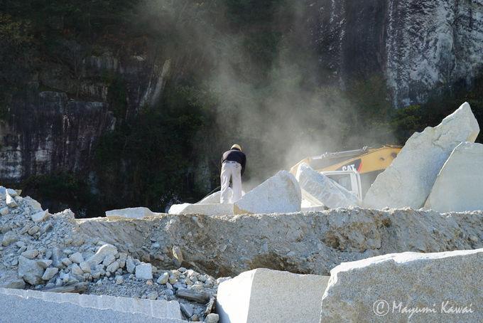 プレミアムツアーをゆく:ハイライトの奥山採石場へ