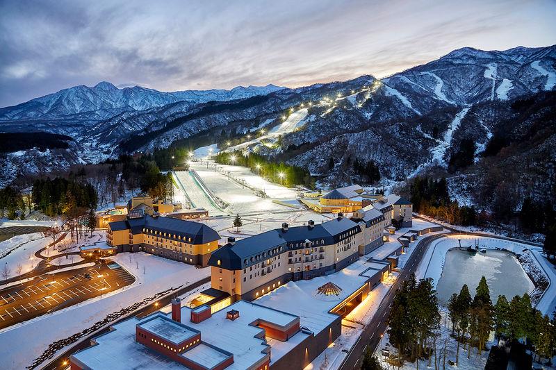 極上の雪でスキー業界No.1!新潟妙高「ロッテアライリゾート」