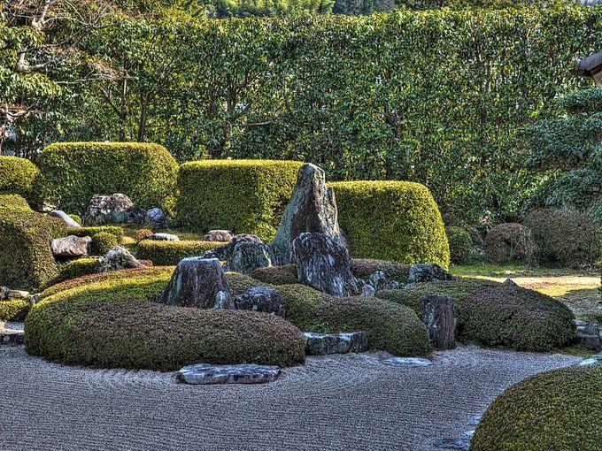 「何を表現しているか」による分類 (浄土式庭園/蓬莱式庭園/縮景式庭園 etc.)
