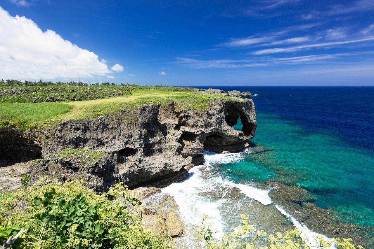 沖縄旅行に安く行くコツ【3】パッケージツアーを比較して検討する
