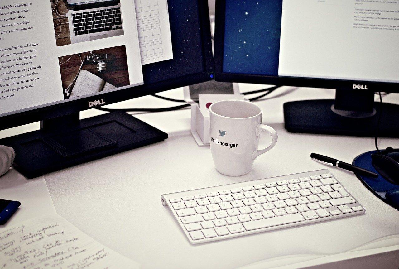 リモートワークを快適にするコツ:作業を効率化するグッズを揃える