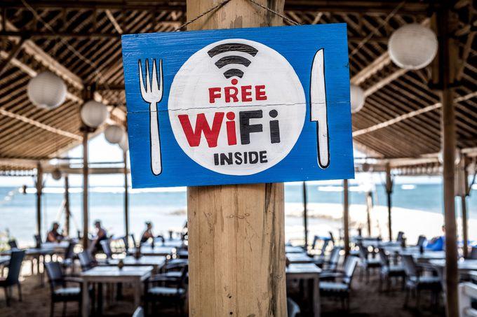Wi-FiやSIMカードの用意は?