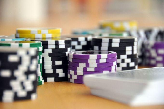 カジノはパタカと香港ドルのどちらが利用できる?