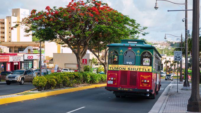 グアム観光の基本!乗り放題パスが便利なバス