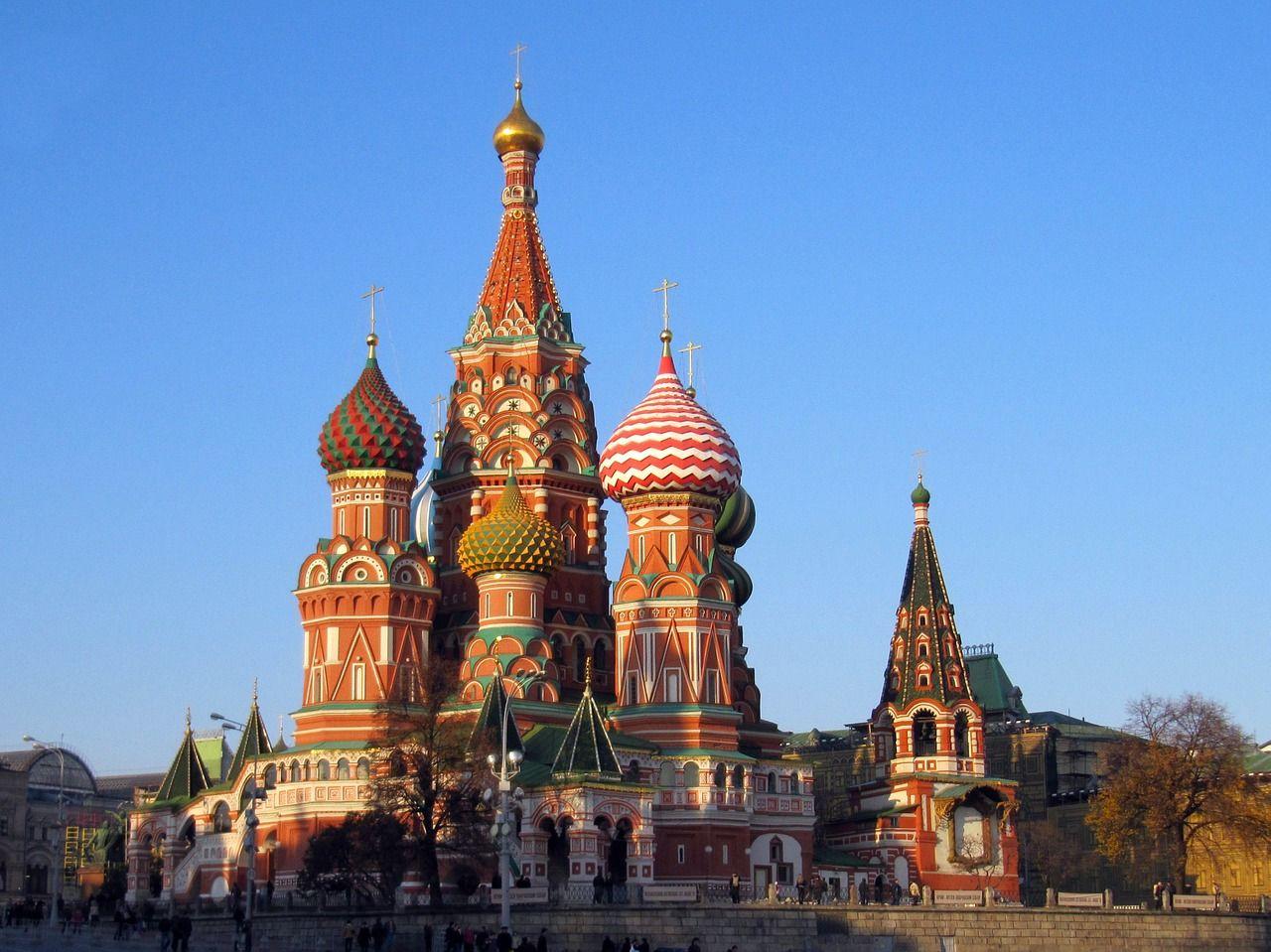 ロシアへはパックツアーが断然お得です