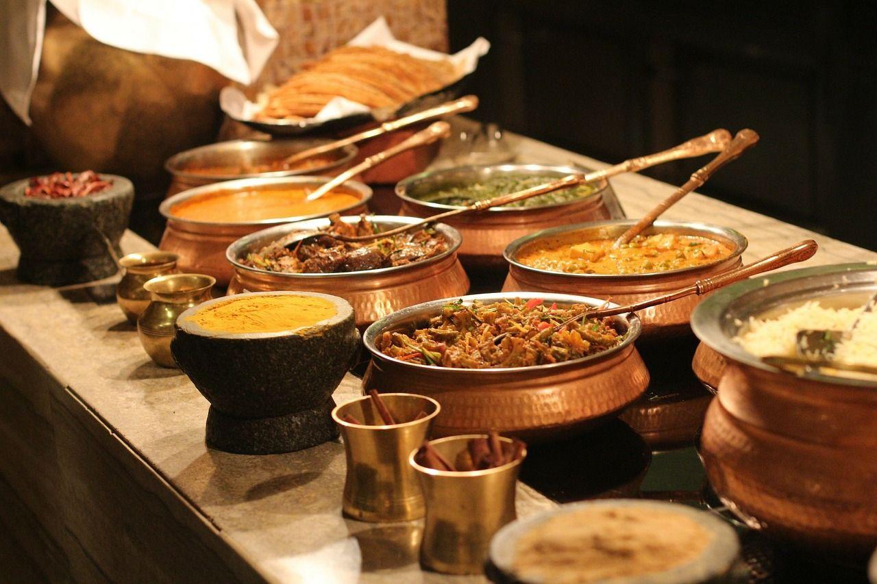 パックツアーならインド料理も買い物も楽しめる